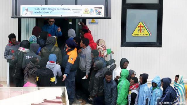 Italien Flüchtlinge in Lampedusa (Reuters / A. Bianchi)