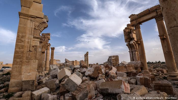 Ruins in Palmyra (picture-alliance/dpa/V. Sharifulin)