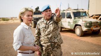 Afrika Bundesverteidigungsministerin von der Leyen in Mali (REUTERS/Nietfeld)