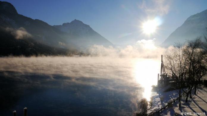 Schneeschuhlaufen am Achensee Tirol (DW/S. Stroncik )