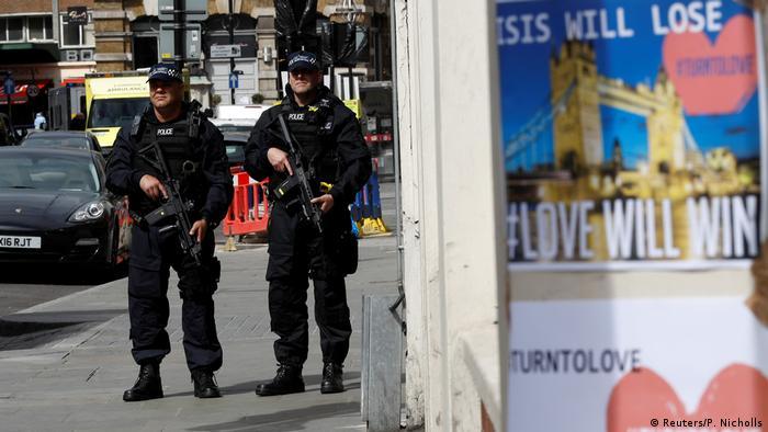 UK London am Tag nach dem Anschlag (Reuters/P. Nicholls)