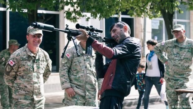 Georgien ist der einjährige Dienst an der Waffe Pflicht (DW/A. Ghilan)