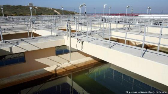 Desalination plant in Israel (picture-alliance/dpa/J. Hollander)