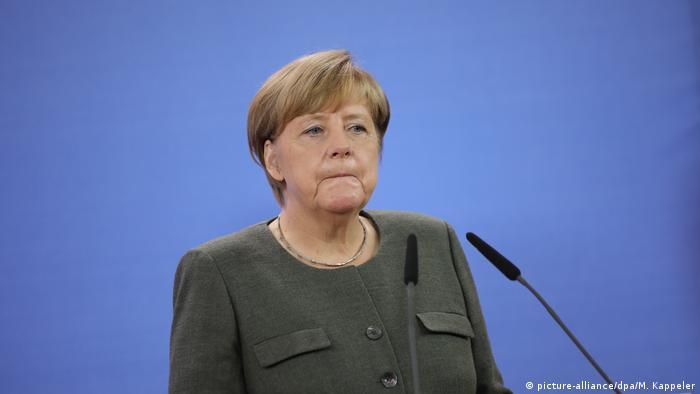 Deutschland Merkel Statement zum Barcelona Anschlag (picture-alliance/dpa/M. Kappeler)