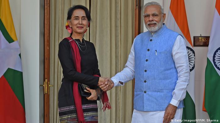 Indien Premierminister Modi Myanmars San Suu Kyi (Getty Images/AFP/M. Sharma)