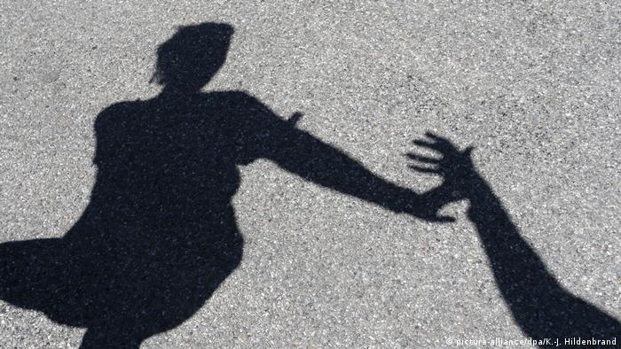 Gewalt gegen Frauen Symbolfoto (picture-alliance/dpa/K.-J. Hildenbrand)
