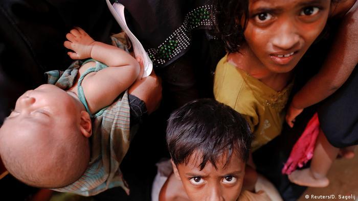 Bangladesch Rohingya Flüchtlinge in Teknaf (Reuters/D. Sagolij)