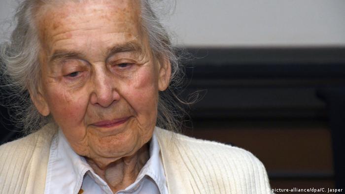 Deutschland Zwei Jahre Haft für Holocaust-Leugnerin Haverbeck | ARCHIV (picture-alliance/dpa/C. Jasper)
