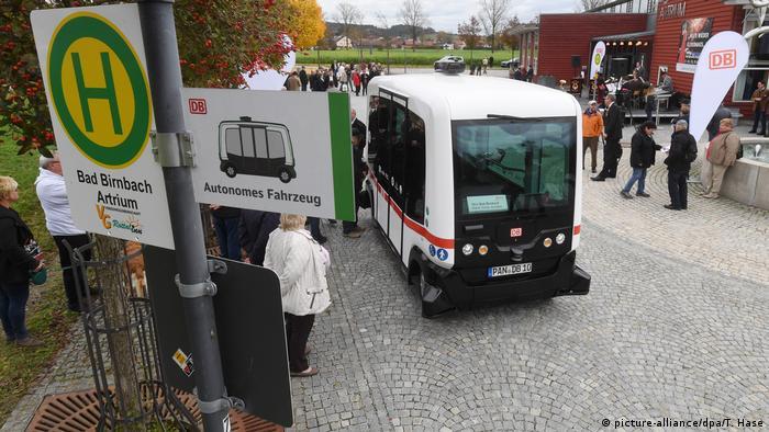 Image result for 德国南方的温泉疗养小镇Bad Birnbach这些天突然成了众多媒体关注的热点。全德国首条无人驾驶公交线路开始试运行。