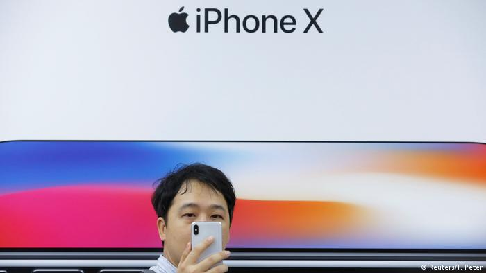 Iphone X (Reuters/T. Peter)