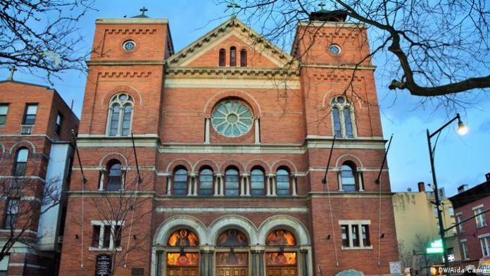 Our Lady of Mt. Carmel Church in Bronx, New York (DW/Aida Cama)