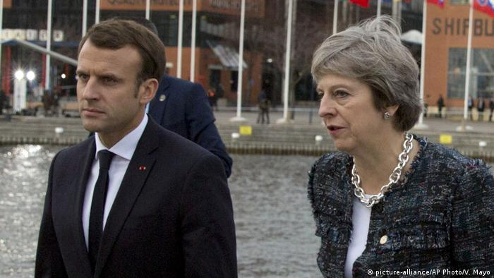 Theresa May and Emmanuel Macron at an EU summit