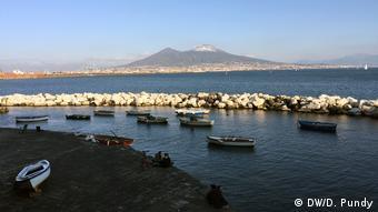 Italien Wahlen - Neapel Hafen (DW/D. Pundy)