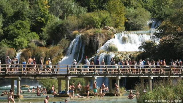 Skradinski Buk waterfall in Croatia (picture-alliance / D.Jaramaz)