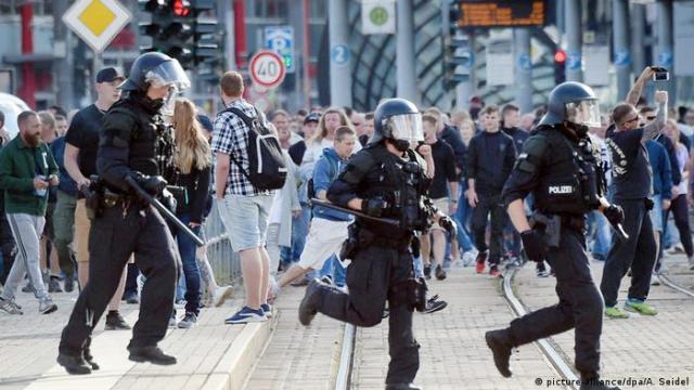 Chemnitz Abbruch von Stadtfest (picture-alliance / dpa / A. Seidel)