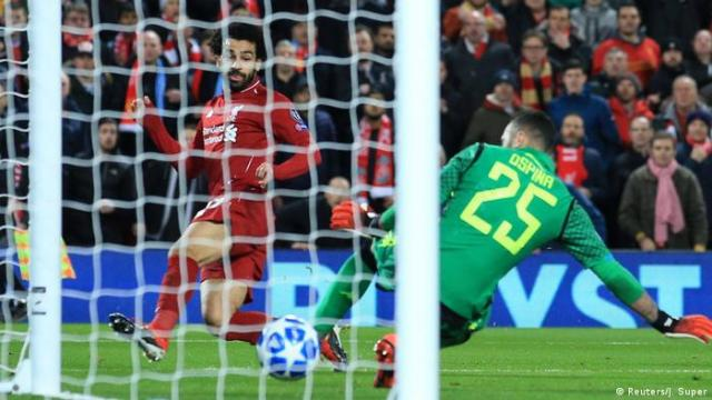 Fußball Champions League - Liverpool vs Neapel | Tor zum 1: 0 (Reuters / J. Super)