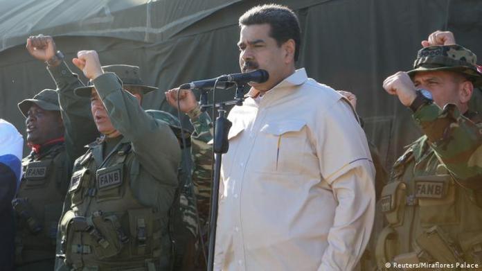Venezuela Nicolas Maduro nimmt an einer Militärübung in Charallave teil (Reuters/Miraflores Palace)