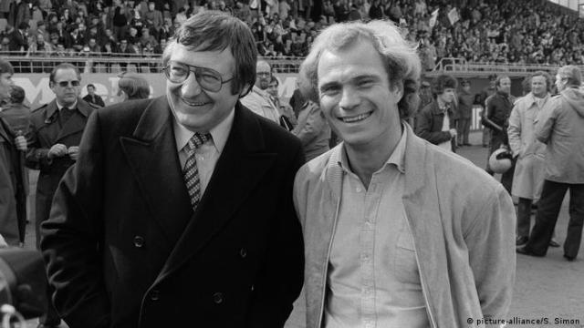 Bundesliga 1979 - FC Bayern München v SV Darmstadt 98: Uli Hoeness, Willi O. Hoffmann (picture-alliance / S. Simon)