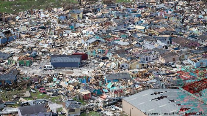 In the Bahamas, an archipelago located between Florida, Cuba and Haiti, in the Caribbean Sea, Hurricane Dorian left at least 30 dead, thousands of people missing and a generational devastation, according to Bahamian Prime Minister Hubert Minnis. The United Nations said about 70,000 people in the Bahamas need immediate help. (5.09.2019).