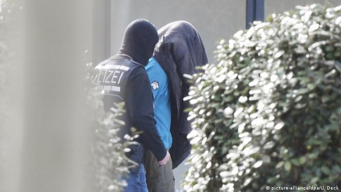 Alleged right-wing terrorist cell - those arrested at the BGH Karlsruhe (picture-alliance / dpa / U. Deck)