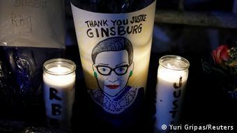 USA: Mahnwache zum Tod von Ruth Bader Ginsburg in Washington (Yuri Gripas/Reuters)