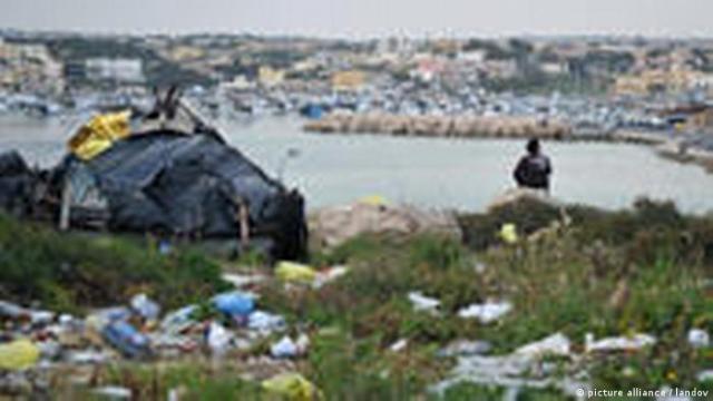 Italien Lampedusa Flüchtlinge Libyen Tunesien (picture alliance / landov)