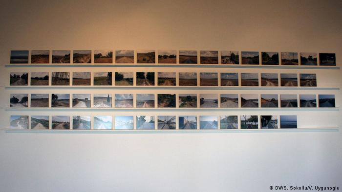 Photos on a wall, documenting the path,<br /><br /><br /><br /><br /><br /><br /><br /><br /><br /> Copyright: DW/S. Sokollu/V. Uygunoglu<br /><br /><br /><br /><br /><br /><br /><br /><br /><br />