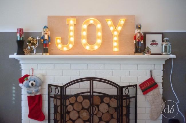 http://www.craftberrybush.com/2014/11/red-christmas-buggy-printable.html