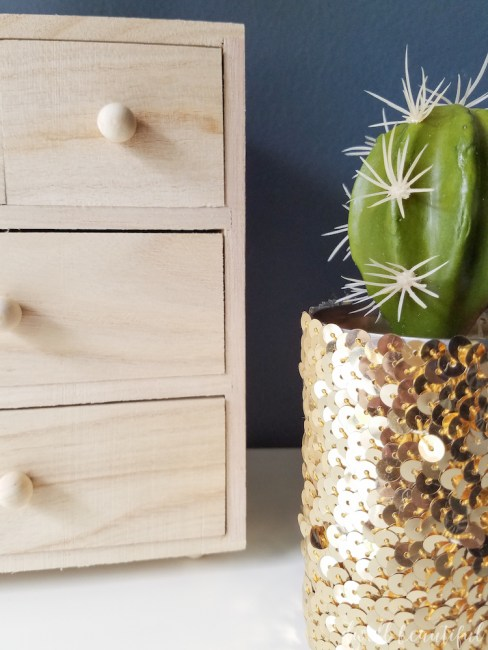 How to Turn a Tin Can into a Planter - A Glam Gold Sequin Makeover