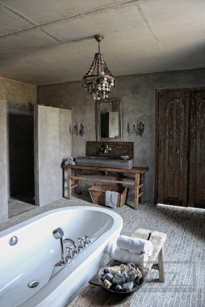 Modern-farmhouse-bathroom-with-rustic-accents-in-the-interior