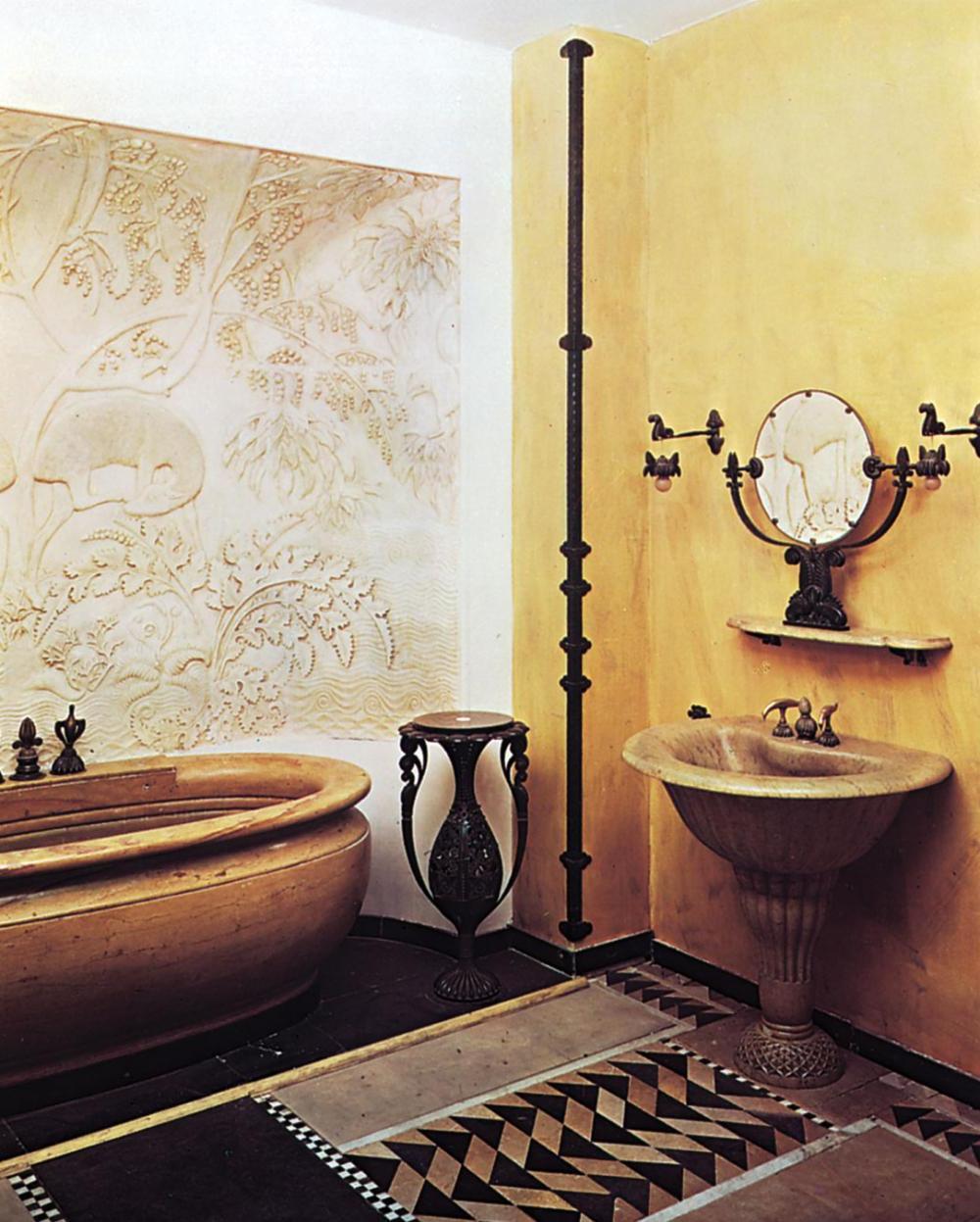 Classic Red Art deco Bathroom