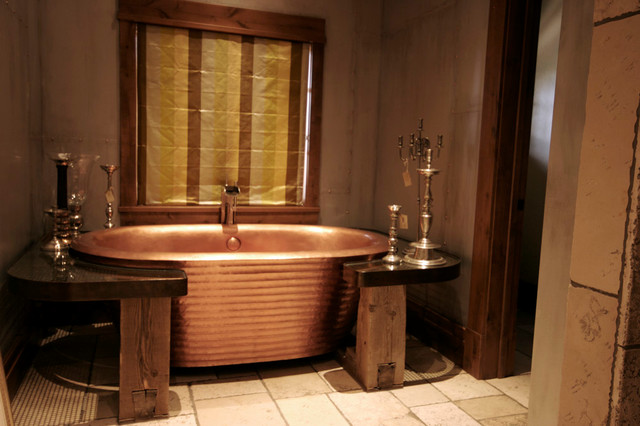 Rustic Bathroom Surrounded with Reclaimed Wood