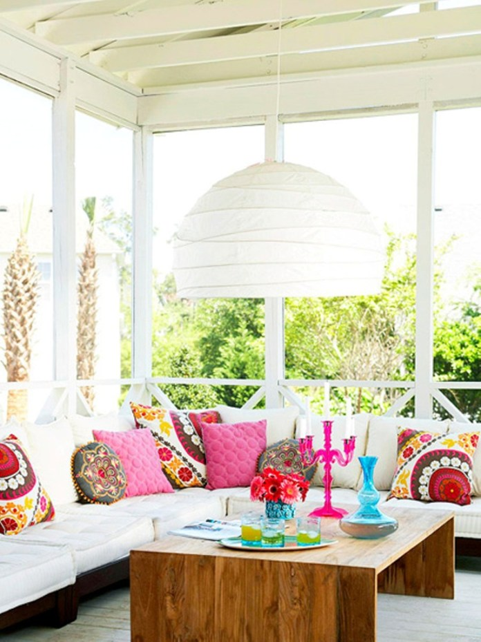 All White Romantic and Vintage Style Patio Design