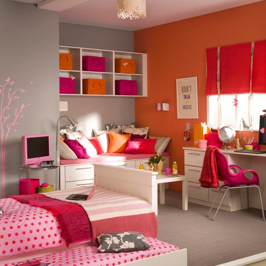 Colorful-Bedroom-Ideas-for-Teenage-Girls-with-Medium-Sized-Rooms-Space