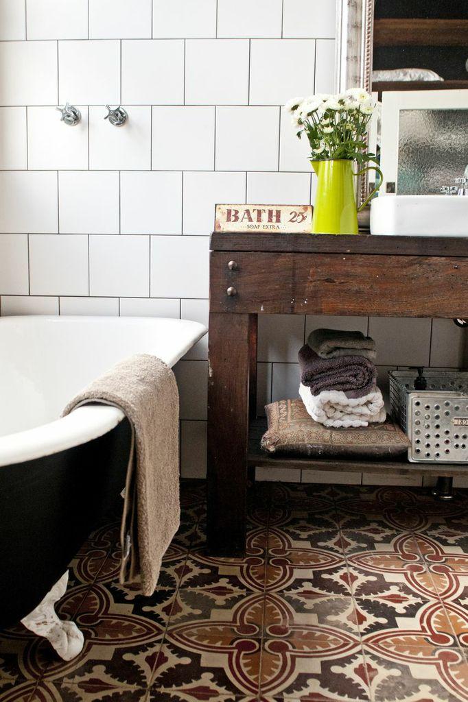 Studio-patterned-bathroom