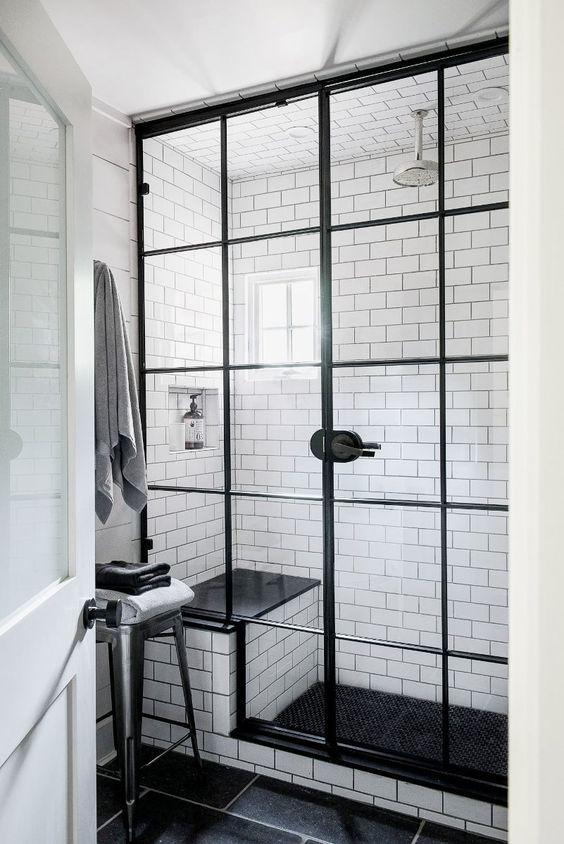 farmhouse style small bathroom