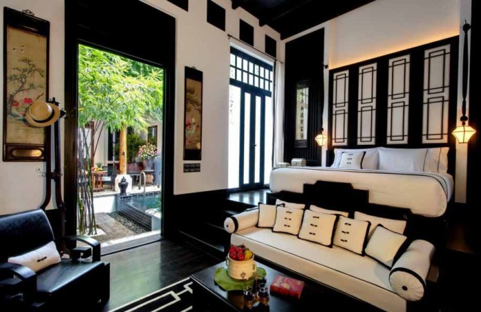 modern-home-with bold dark bedroom