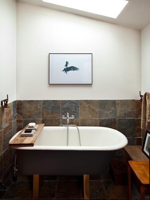 small bathroom with bathtub