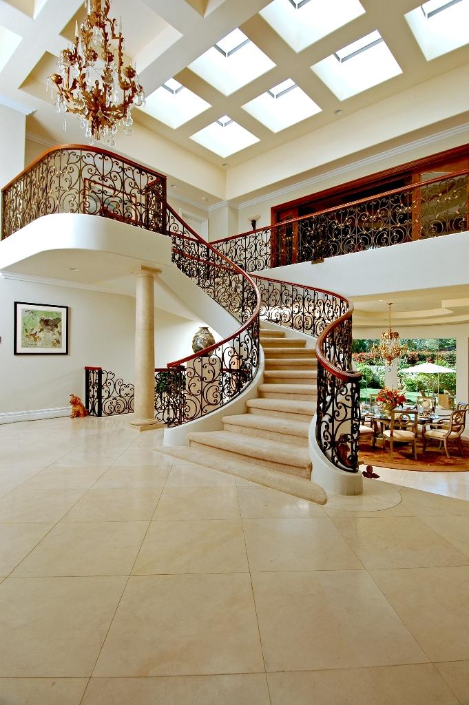 Luxury-Foyer-Decorating-And-Design-Ideas-16
