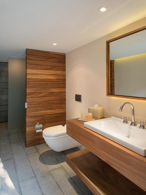Mid-Sized Modern Bathroom
