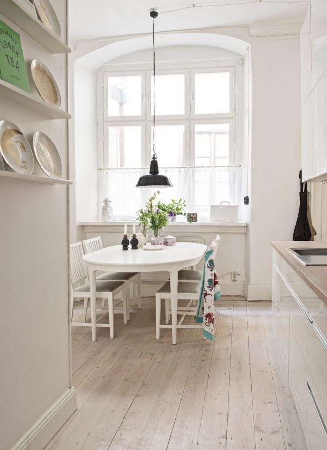 scandinavian-style-dining-room