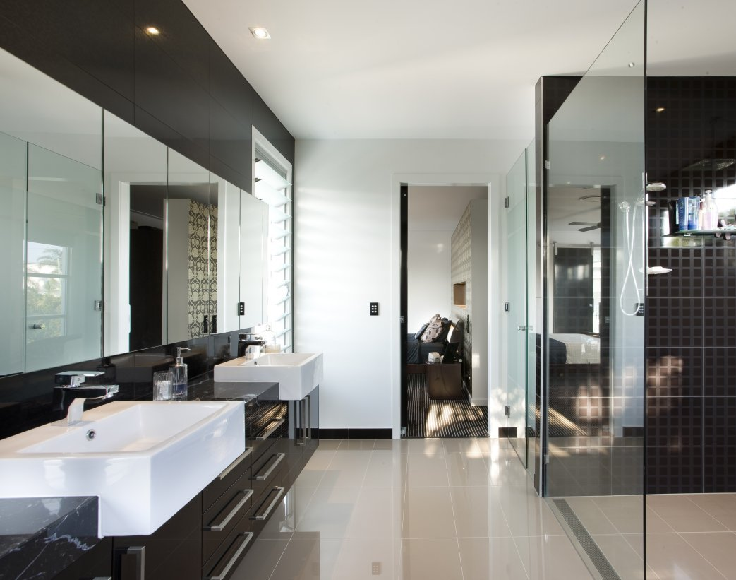 Luxurious Contemporary Master Bathrooms