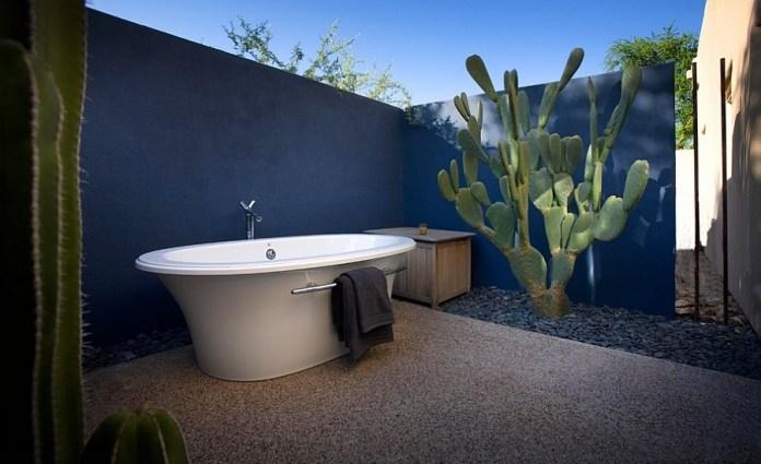 Fabulous outdoor Mediterranean bathroom