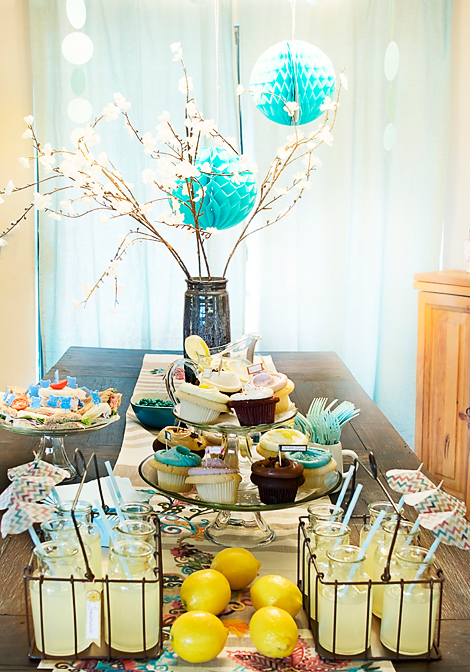 Modern And Cool Baby Shower Table Decor
