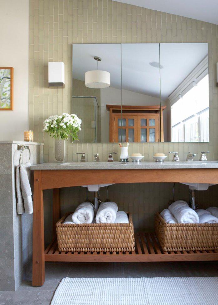 transitional-bathroom decor