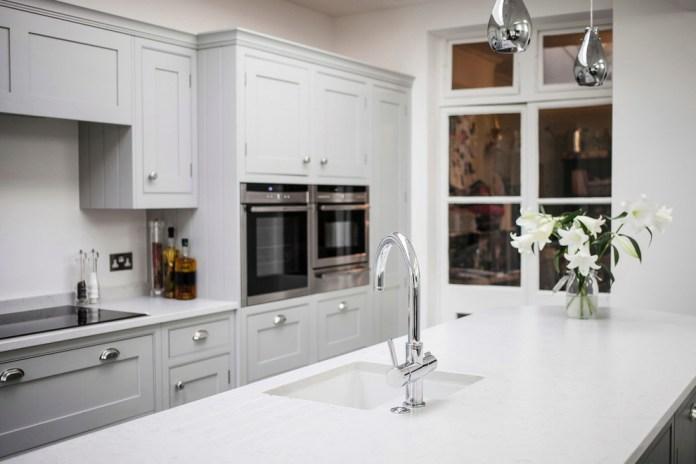 Contemporary White Kitchen Countertop