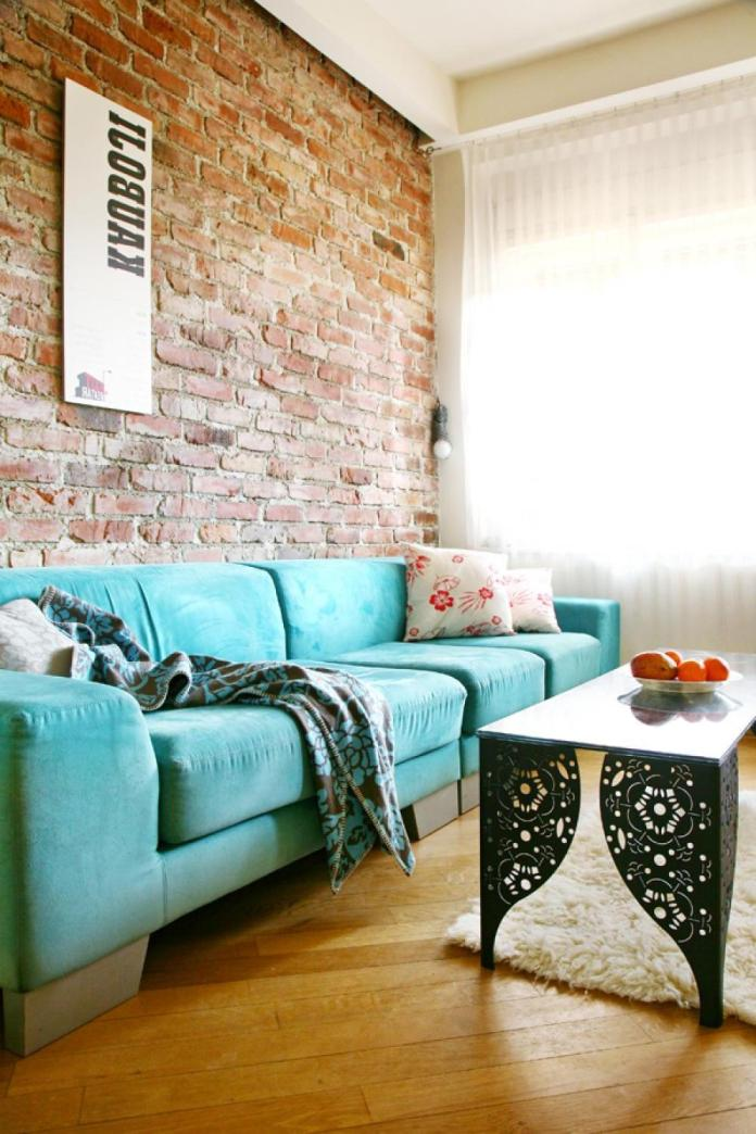 Living Room With Exposed Brick Wall (10)