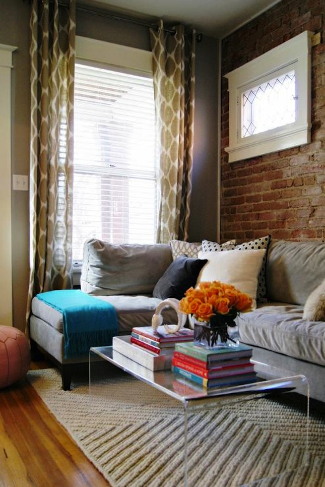 Living Room With Exposed Brick Wall (6)