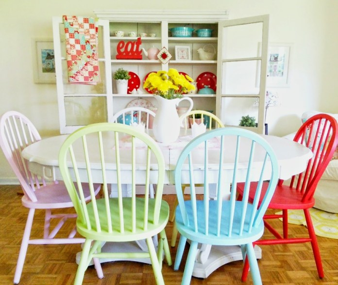 Stunning Colorful Dining Room (4)