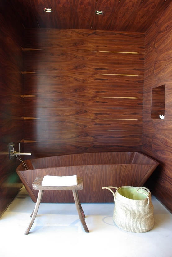Amazing Bathrooms With Wooden Bathtub (7)